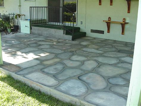 paint cement patio floors to look like cobblestones