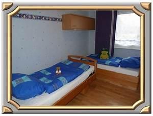 Sitzbank Vor Dem Bett : viel platz im schlafzimmer neben und vor dem bett ~ Michelbontemps.com Haus und Dekorationen