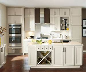 Off White Cabinets in Casual Kitchen - Diamond Cabinetry