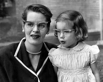Glasses Mother Daughter Wearing Mothers 1940 Children