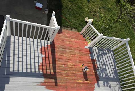 refinishing   deck  olympic maximum stain