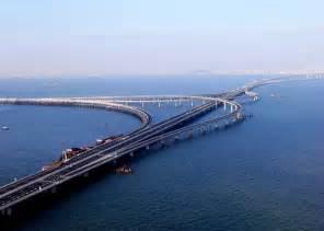 Neue Attraktion: Gigantische Glasbrücke