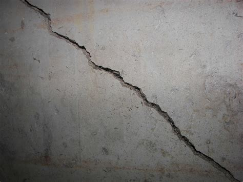 Foundation Cracks Should I Be Worried Basement