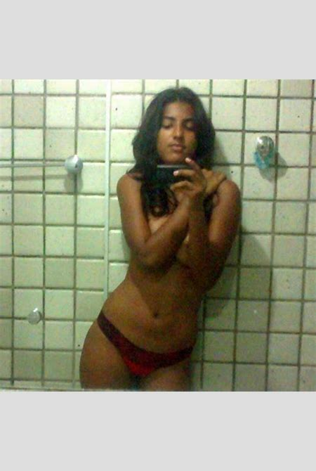 indian girl capturing her naked pics in shower - Indian ...