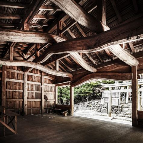 hakusan gongen stunning interior  ancient shinto temple