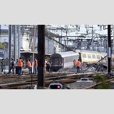 At Least 6 Dead In Train Derailment Near Paris, French Official Says Cnncom
