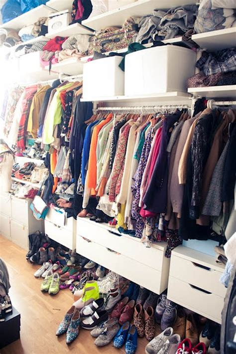 7 Tips & Ideas To Organize Your Closet
