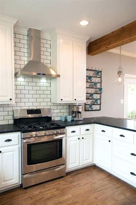 27+ Engaging Kitchen Vent Hood Ideas