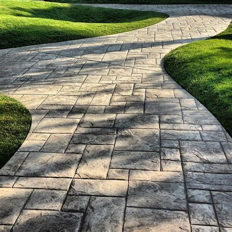 garden paving slabs ideas creative ideas for using paving slabs in the garden