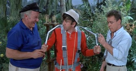 Gilligan S Island Boat by 11 Things The Professor Built On Gilligan S Island