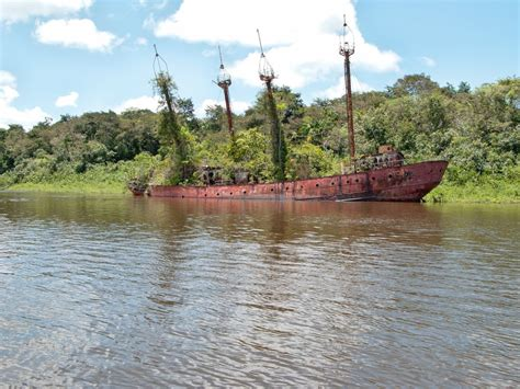 French Guyana & Surinam - Visible Shipwrecks