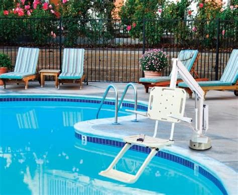 piscine avec siege siège ascenseur de piscine pour handicapé axs à prix