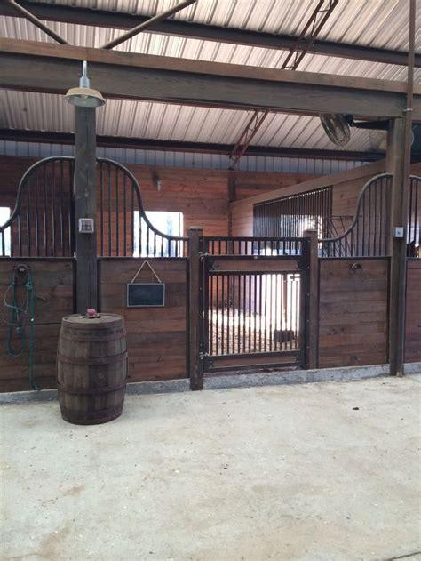 25+ Best Ideas About Horse Barns On Pinterest Horse