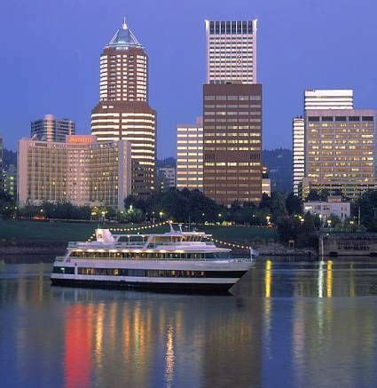 Dinner On A Boat Portland Oregon by Enjoy The River City By Boat The Portland Spirit Offers