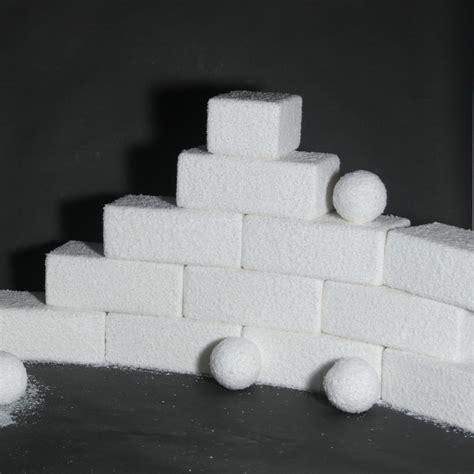 christmas display snowballs blocks icicles