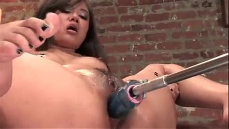 Annie Cruz Masturbating While Is Fucked By A Machine And Squirts