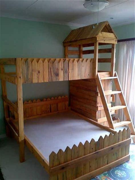 diy medieval toddlers pallet castle bed pallet bunk