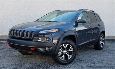 rhino jeep cherokee quick spin 2016 jeep cherokee trailhawk the daily drive