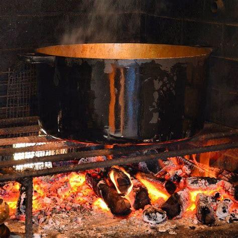 cuisine feu de bois cuisine au feu de bois carrypoulet authentique