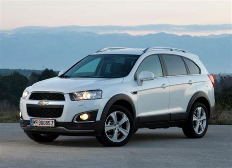 Chevrolet Captiva 2013  Reviews, Technical Data, Prices