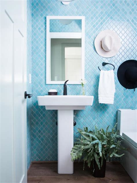 Decorating Ideas For A Small Bathroom by Small Bathroom Decorating Ideas Hgtv