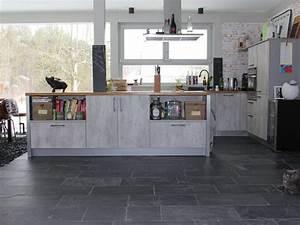 Moderne Fliesen Küche : schieferfliesen black rustic naturgespalten moderne ~ A.2002-acura-tl-radio.info Haus und Dekorationen