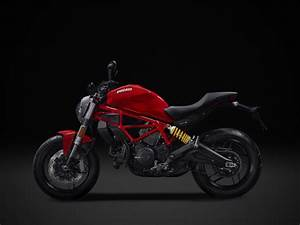 2017 Ducati Monster 797 First Look | 6 Fast Facts