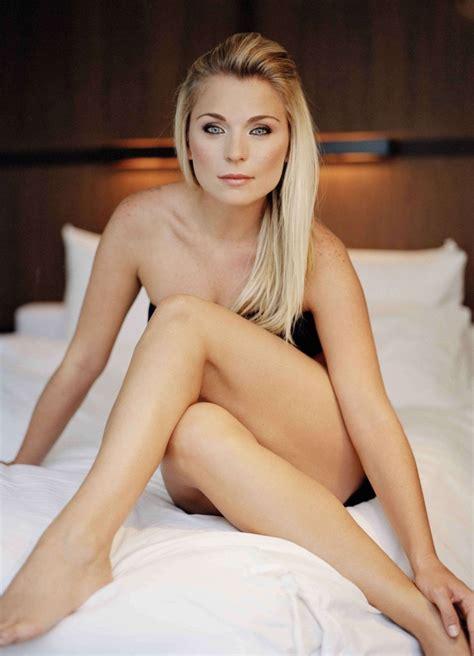 Jennifer aniston sexy fake porn pics