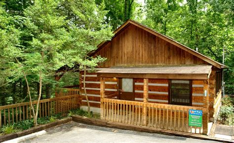 downtown gatlinburg cabins moonshine madness cabin is withing walking vrbo