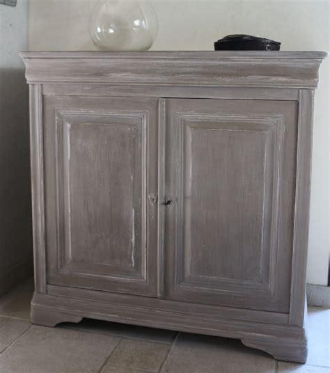 peinture armoire cuisine peindre un meuble en merisier peintures et enduits