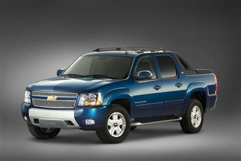chevy avalanche review release date redesign