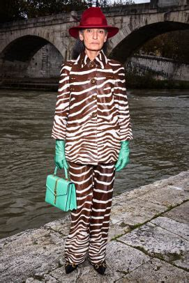 guccis pre fall collection lookbook stars legendary