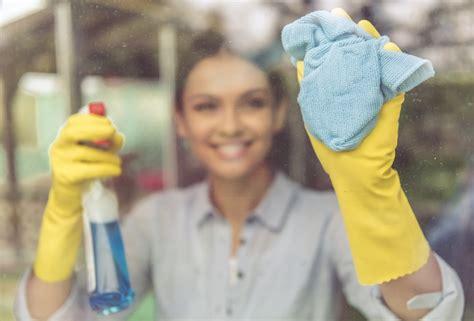 Wie Putze Ich Fenster by Fenster Putzen So Geht S Haushaltstipps Net