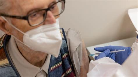Postup registrace a rezervace popis postupu, jak se zaregistrovat, kde to provést. Registrace na očkování proti covidu začne v pátek v osm ráno   Zprávy   Tiscali.cz