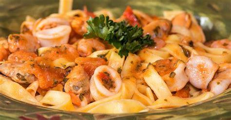 cuisiner des fruits de mer penne aux fruits de mers sauce arrabiata recette par jackie