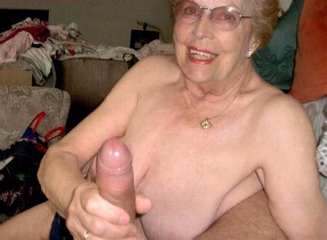 Zi In Gallery Old Granny Grannies Omas Playing With