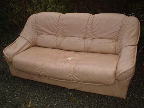canapé déchiré canape lit à donner à landeronde