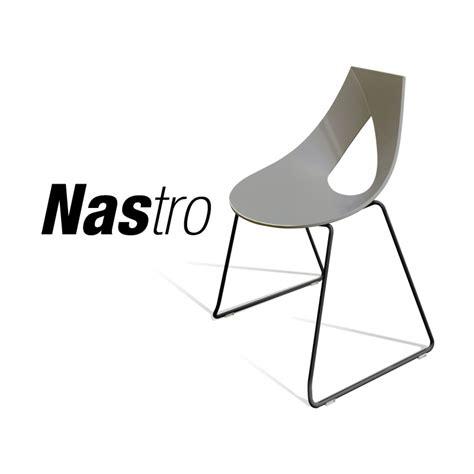 chaise à piètement luge cara chaise design nastro assise coque couleur piétement luge peint