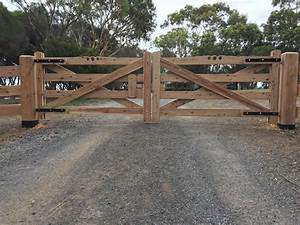 Wooden Gates Victoria: Farm Tudor Country Driveway