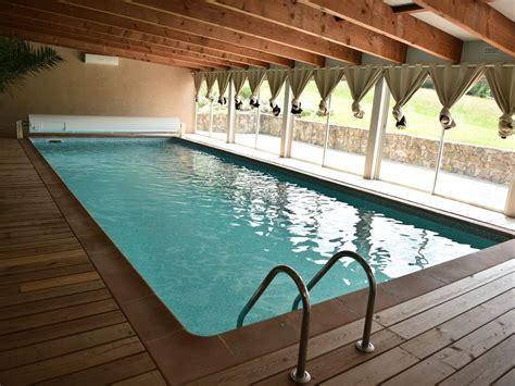 chambre avec piscine privative gîte piscine privée intérieure chauffée à 30 quot a 15 min