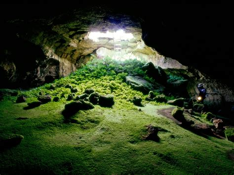 Lava Tube Cave, Lava Beds National Monument Wallpapers