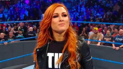 becky lynch reportedly offered  wwe deal