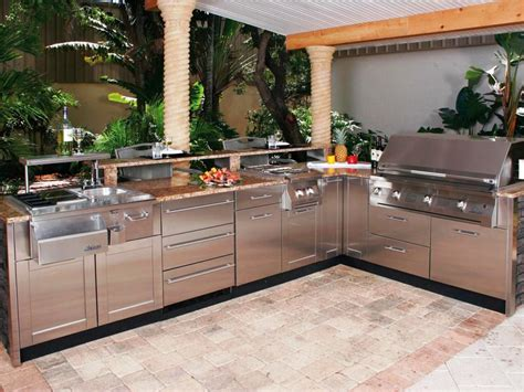 Ways To Choose Prefabricated Outdoor Kitchen Kits