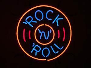 Rock & Roll Disc Retro Neon Sign