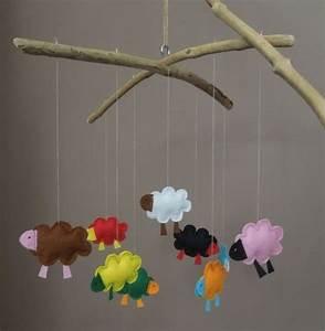 Mobile Bois Flotté : mobile moutons en feutrine suspendus 2 branches de bois ~ Farleysfitness.com Idées de Décoration
