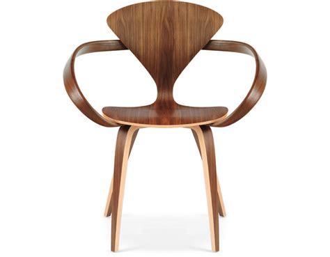 norman cherner armchair designed for plycraft usa cherner arm chair hivemodern com