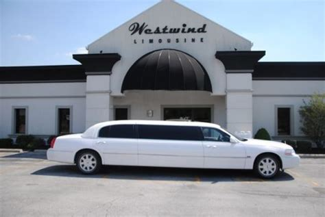 Buy used LIMO LIMOUSINE LINCOLN TOWN CAR FORD WHITE 6 PACK