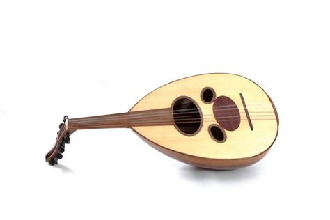 Its strings are strung using a pick. Discover These Arab Music Instruments - The life pile