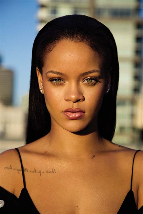 Rihannas Makeup Line Fenty Beauty Makes Its Debut
