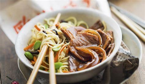cuisiner nouilles chinoises découvrez les plats typiques de l 39 asie yvelines
